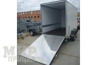 Прицеп-фургон промтоварный на 1600 кг с задним опускающимся пандусом