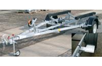Прицеп Трейлер 82944С, 6,0 с выдвигаемыми кронштейнами задних фонарей, рессорная подвеска